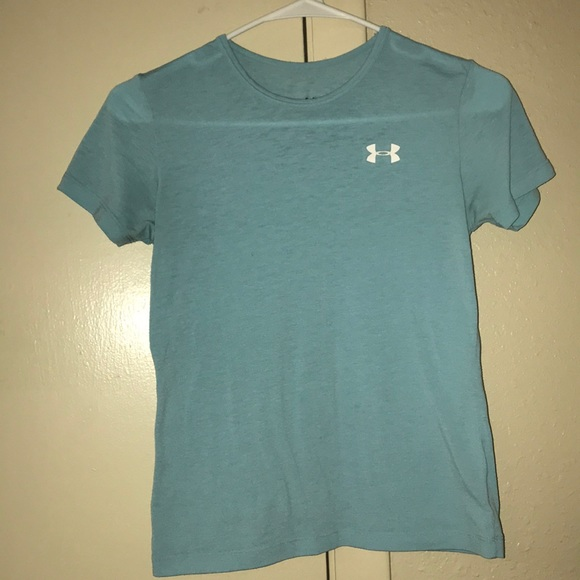 Under Armour Tops - Under Armour Tshirt